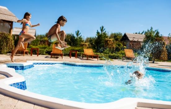 Prix construction piscine : point sur les tarifs selon le modèle